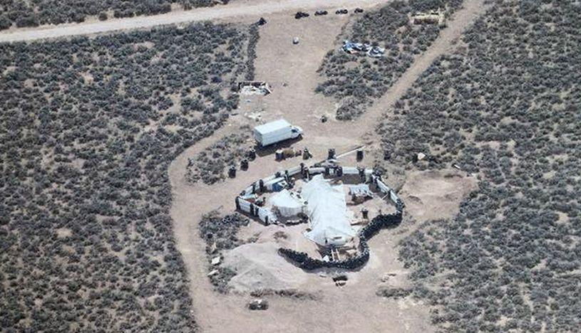 Una foto aérea de la apartada residencia situada en una zona desértica de Nuevo México, Estados Unidos. (Foto: EFE)