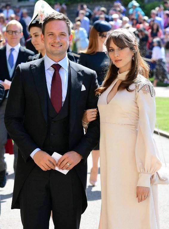 Troian Bellisario y su esposo | Foto: AFP