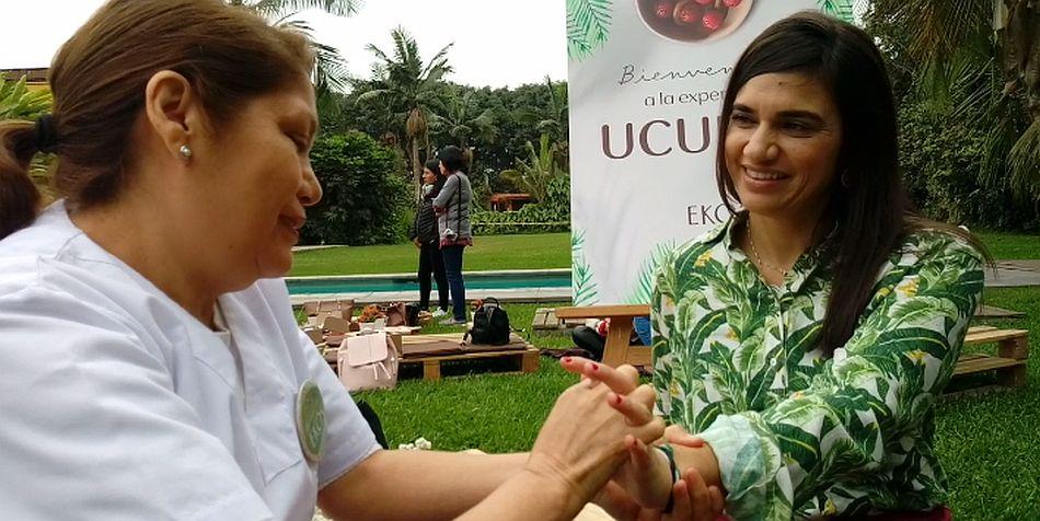Los masajes los puedes realizar tú mismo o con la ayuda de una especialista. (Foto: El Comercio)