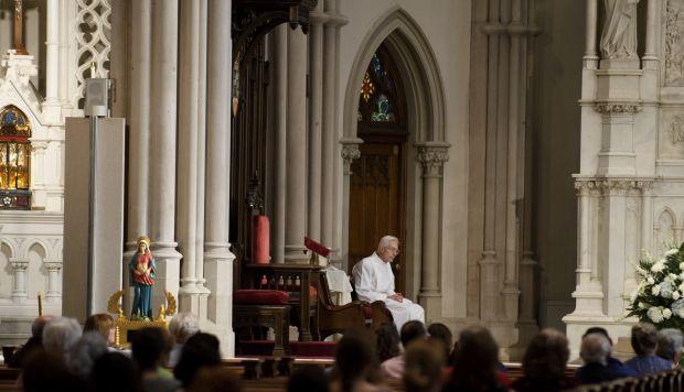 Para el informe solamente pudieron examinar los 38.000 expedientes y manuscritos seleccionados y transmitidos por la Iglesia. (Foto: AFP)