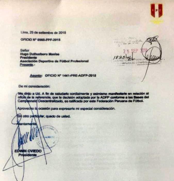 FPF y el documento que confirma la reprogramación del partido entre Universitario vs. Unión Comercio. (Foto: Ovación web)