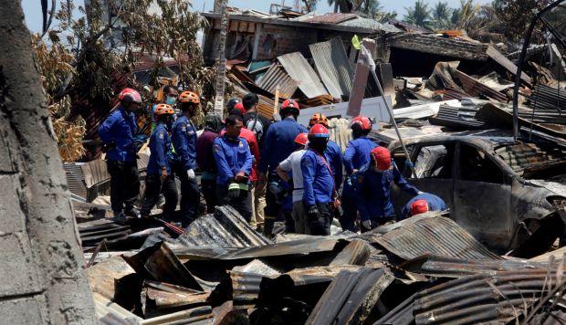 Las autoridades indonesias elevaron hoy a 1.234 la cifra de víctimas mortales que causó el terremoto de magnitud 7,5 y el posterior tsunami que golpearon la isla de Célebes el viernes pasado. (Foto: EFE)
