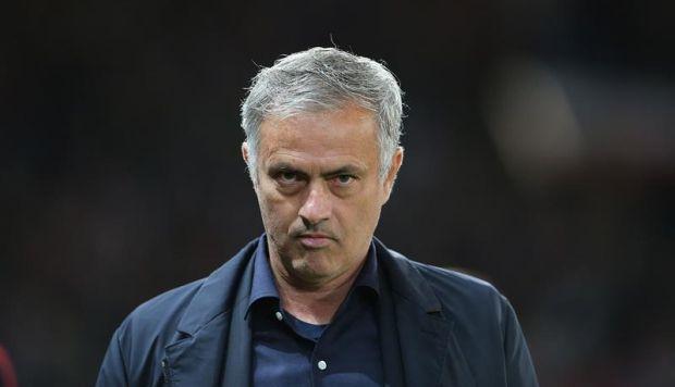 Para Mourinho, cuestionado por los últimos resultados del Manchester United, es