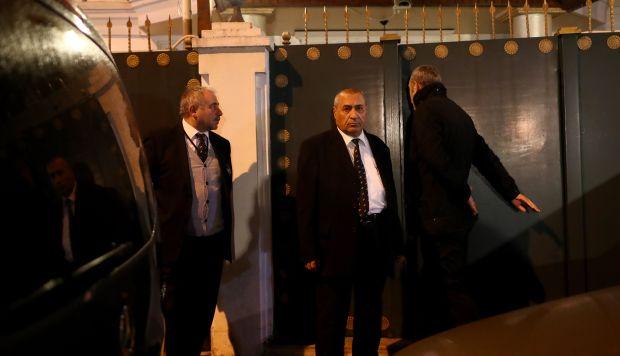 Miembros de la policía forense turca llegan a la residencia del cónsul de Arabia Saudí para realizar una investigación. (Foto: EFE)