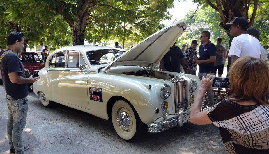 Verdaderas joyas del automovilismo se conservan en el 'museo rodante' que es Cuba. (Foto: Xinhua)