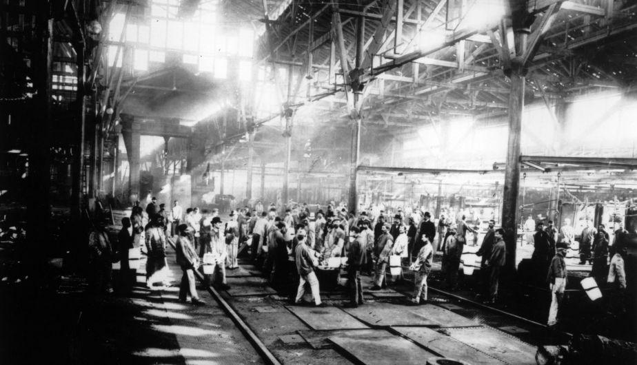 Interior de la acería Krupp en Essen, el principal proveedor de armas del Imperio Alemán. (Foto: Getty Images)