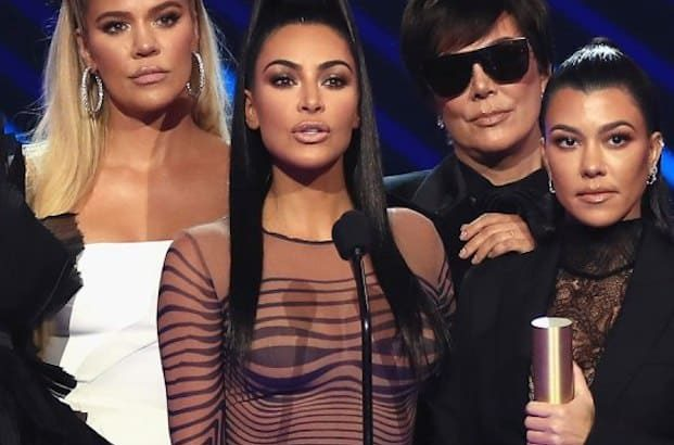 Kim Kardashian junto a su familia. (Foto: AFP)