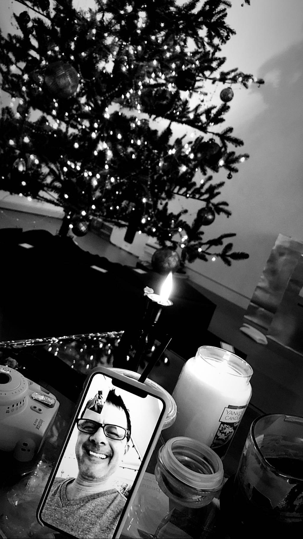 Ariana Grande demuestra que la relación con su padre está mejorando (Foto: Instagram Stories)