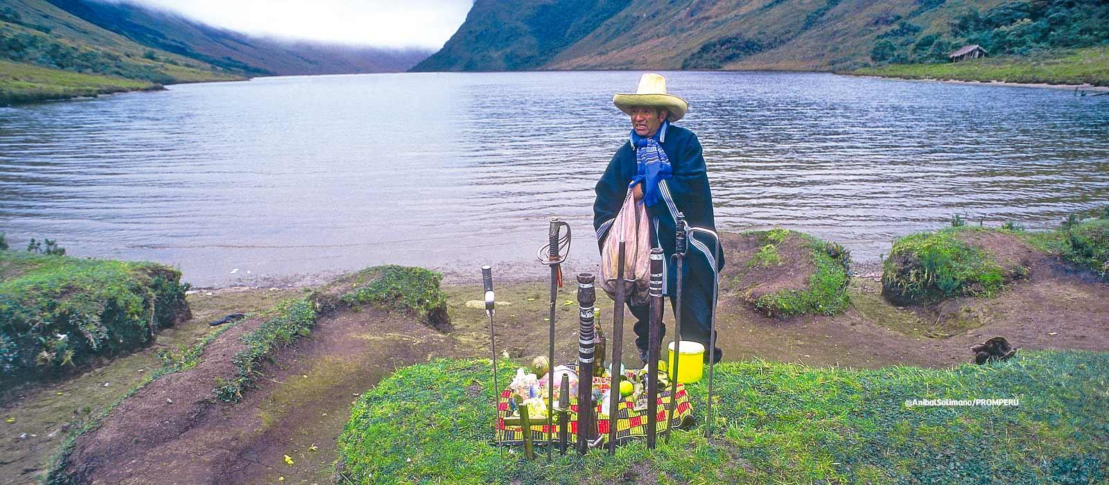 Las lagunas de las Huaringas es considerado como un espacio mistico lleno de enigmas, donde los chamanes realizan sus mesadas. (Foto: PromPerú)