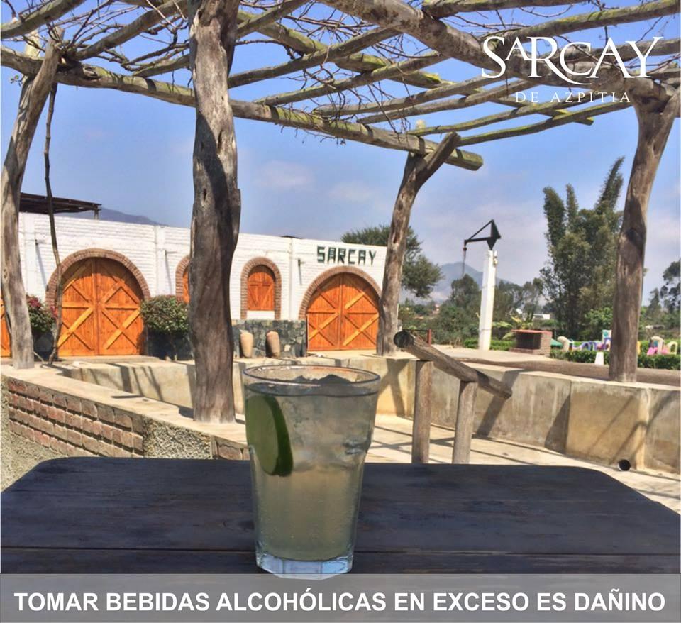 Azpitia tiene uno de los mejores piscos de Lima y qué mejor que disfrutarlo frente a la vegetación del valle. (Foto: Facebook Sarcay de Azpitia)