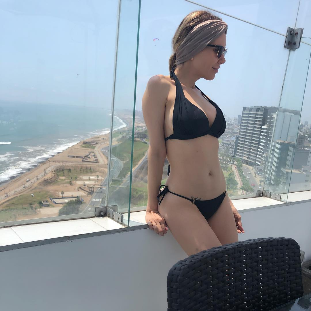 Juliana Oxenford deslumbra con fotografía en bikini. (Foto: Instagram)