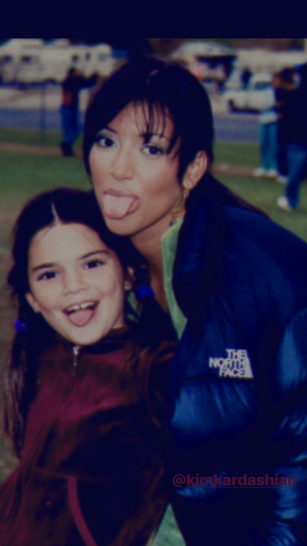 Kendall Jenner junto a Kim Kardashian. (Foto: Instagram)