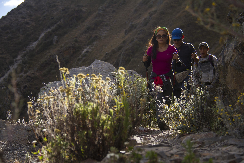 El camino en la Cordillera Huayhuash es algo pesado pero vale la pena, pues al final te llevarás una gran sorpresa. (Foto: PromPerú)<br>
