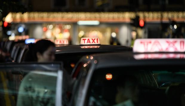 La aplicación de taxi Didi ha anunciado medidas como un botón de emergencia en su aplicación o grabaciones de audio en los viajes. (Foto: AFP)
