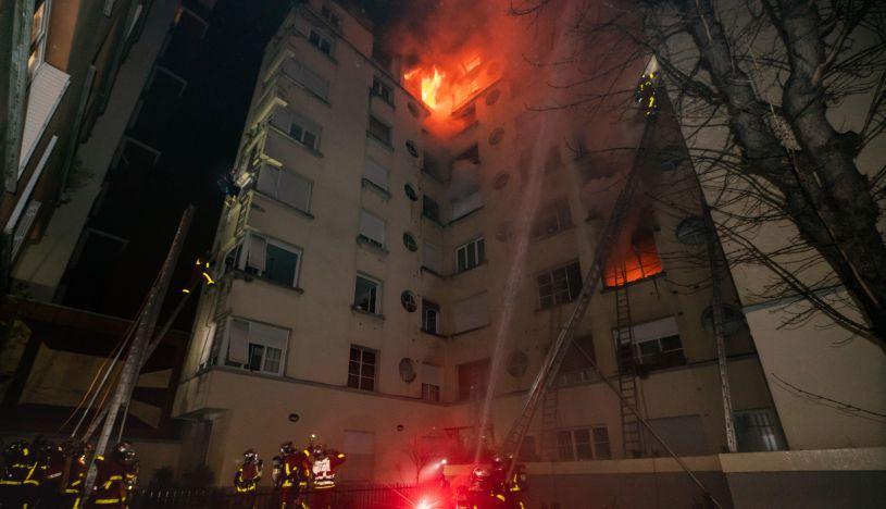 Diez muertos en un incendio en un edificio de la capital de Francia. (Foto: EFE)