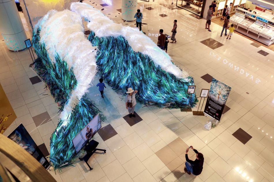 El trabajo estuvo a cargo del artista canadiense Benjamin Von Wong. (Foto: EFE)