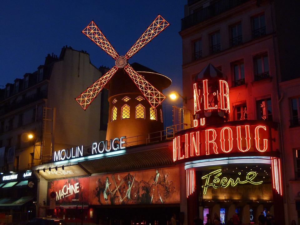 El Moulin Rouge es uno de los símbolos de esta ciudad europea. (Foto: Pixabay)