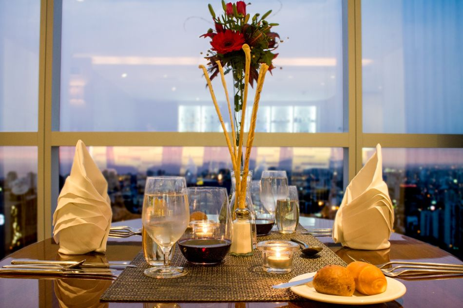 Una romántica cena o una escapada en pareja siempre serán un gran regalo en nombre del amor. (Foto: Westin Lima Hotel)
