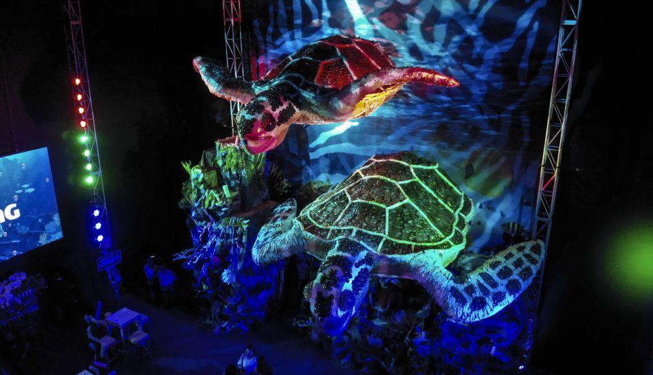 Dos esculturas de tortugas marinas de casi 6 metros de altura tortugas fueron hechas de material 100% reciclados. (Foto: ReciclArte)