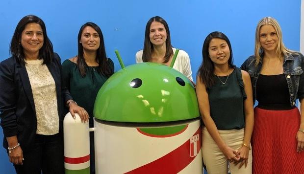 Mirella Miranda, Leslie Lugo, Deb Reyes, Diana Tanaka y Carolina Torres, las mujeres que trabajan en la oficia de Google Perú. Ellas son la mitad del personal. (Foto: Cortesía de Google)