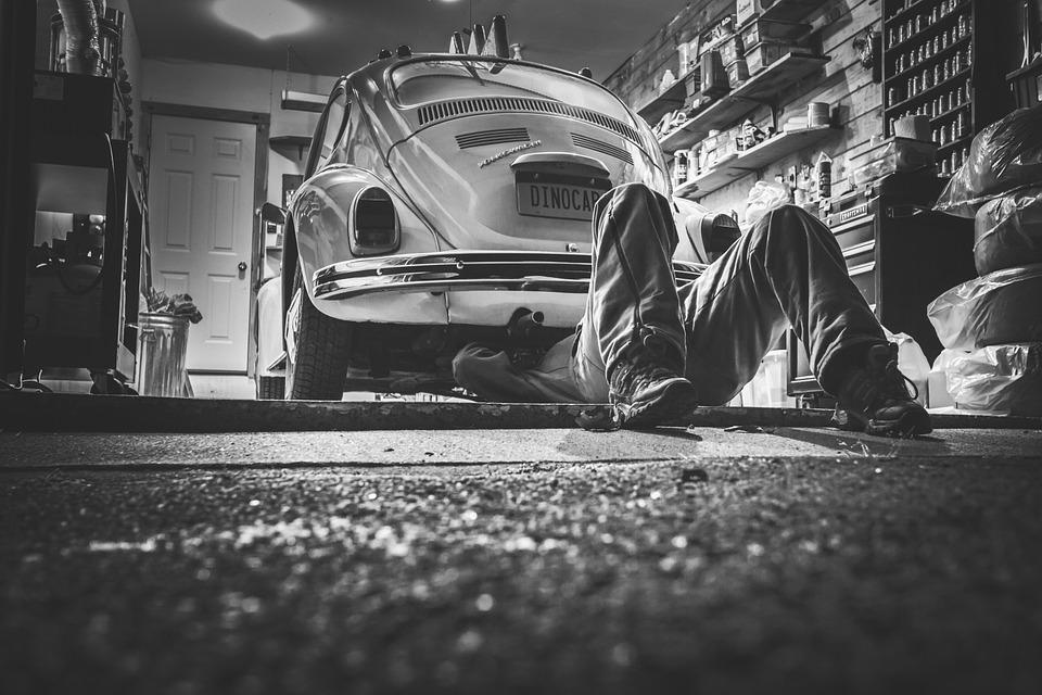 Revisa los frenos, las luces y todo sistema operativo de tu auto para que no tengas complicaciones. (Foto: Pixabay)