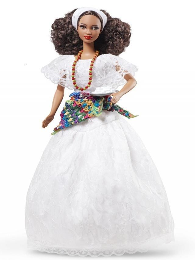 De esta manera, Barbie agasajó a las alegres mujeres bahianas que hasta la actualidad, las puedes ver caminar por sus calles llevando sus trajes típicos. (Foto: Mattel)