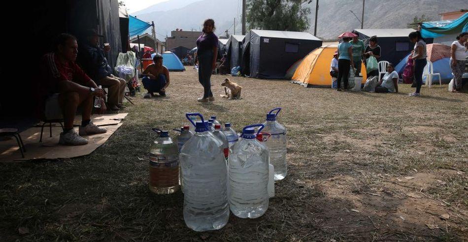 En el país, son muchas las familias que recolectan agua de cisternas para poder abastecer su consumo diario. (Foto: USI)