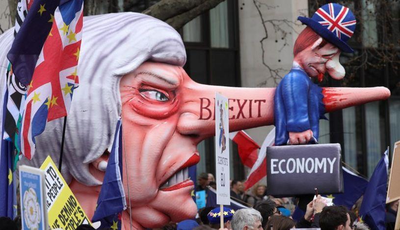 Miles de personas se manifestaron el fin de semana pasado por un referéndum del Brexit. (Foto: AFP)