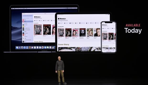 Roger Rosner, vicepresidente de aplicaciones en Apple Inc., habla durante el evento de lanzamiento de productos de la compañía en el Steve Jobs Theater en Apple Park. (Foto: AFP)