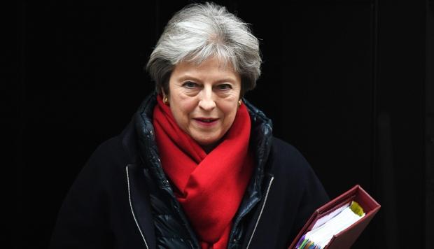 Theresa May inició su andadura política en 1986, después de haber trabajado seis años en el Banco de Inglaterra, y entró a formar parte como diputada de la Cámara de los Comunes en 1997. (Foto: EFE)