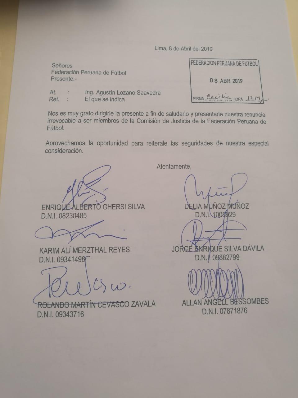 Comisión de Justicia comunicó a Agustín Lozano su renuncia a la FPF.