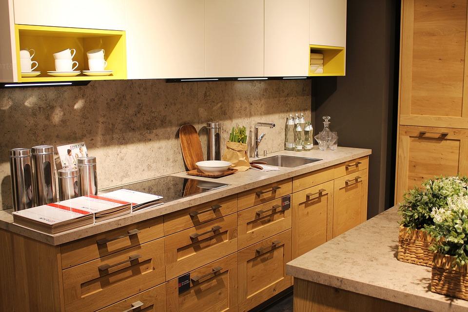 Las repisas y muebles de cocina son perfectos para guardar todo tipo de utensilio. (Foto: Pixabay)