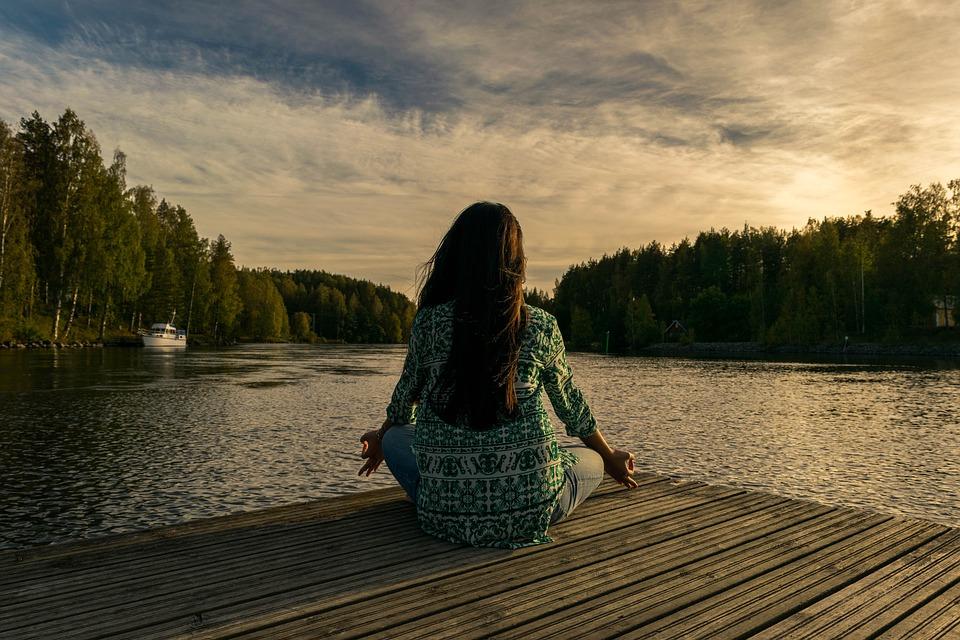 Meditar te hará sentir más tranquila. (Foto: Pixabay)