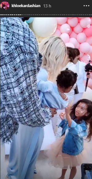 Tristán Thompson asistió la fiesta del primer año de su hija con Khloé Kardashian. (Foto: @khloekardashian)