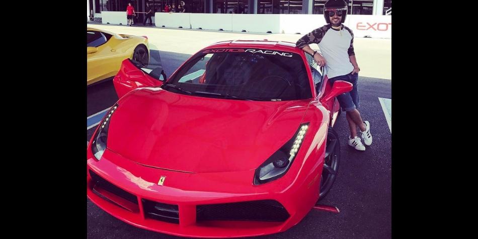 Ferrari 488 GTB. (Foto: Facebook Luis Fonsi)