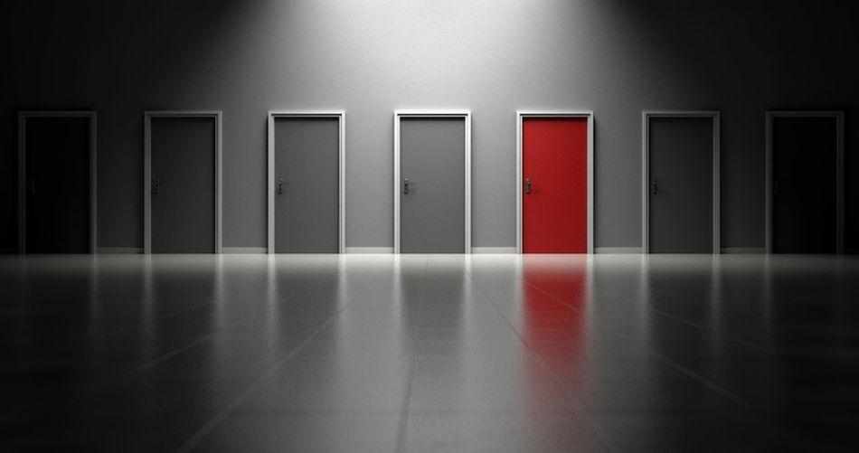 La intuición nos ayuda a elegir entre muchas opciones. (Foto: Pixabay)