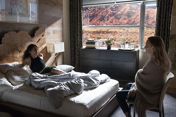 Uma Thurman y Sivan Alyra Rose en Chambers (Foto: Netflix)