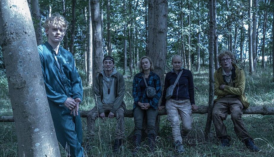 Alba August volverá como Simone Andersen y Lucas Lynggaard Tønnesen como su hermano Rasmus en la segunda temporada de
