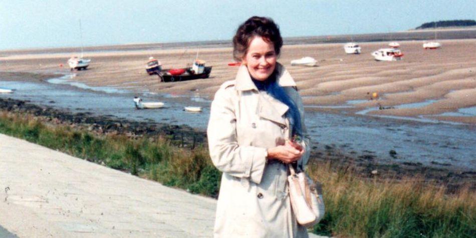 Lorraine identificada como clarividente y médium. (Foto: Facebook Chris McKinnell)