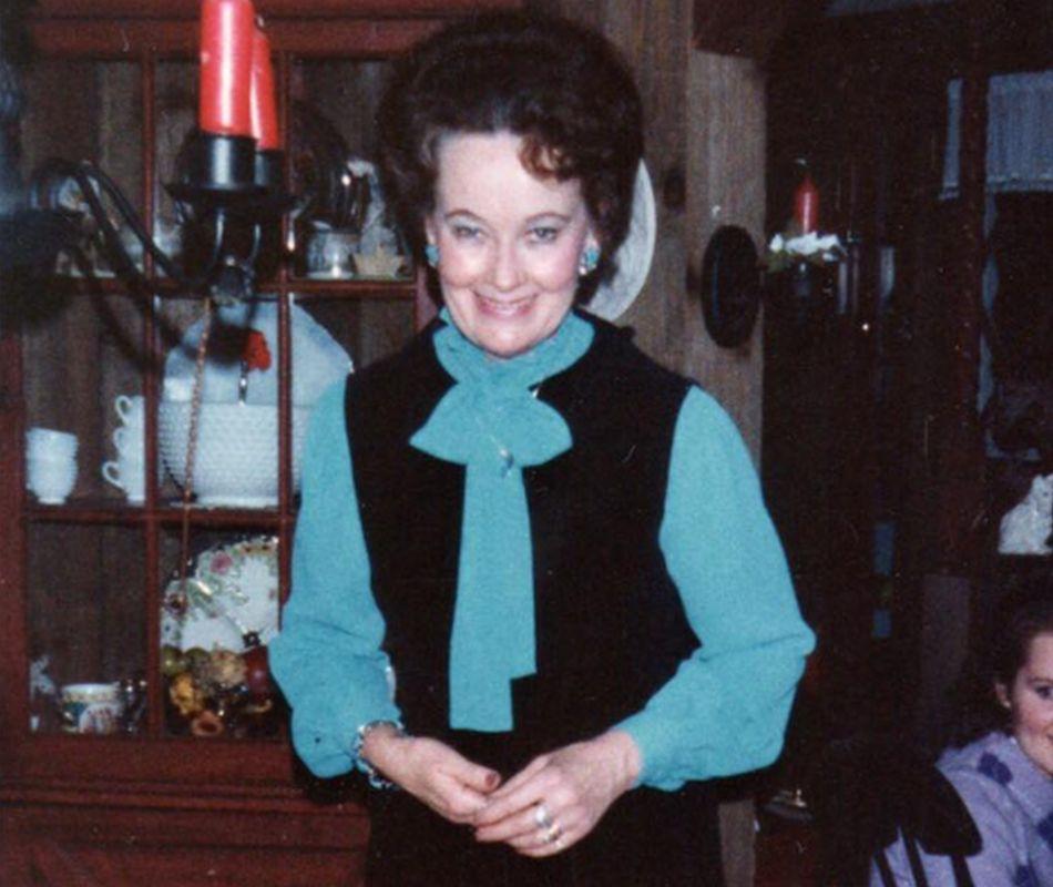 Lorraine creció en un colegio de monjas. (Foto: Facebook Chris McKinnell)