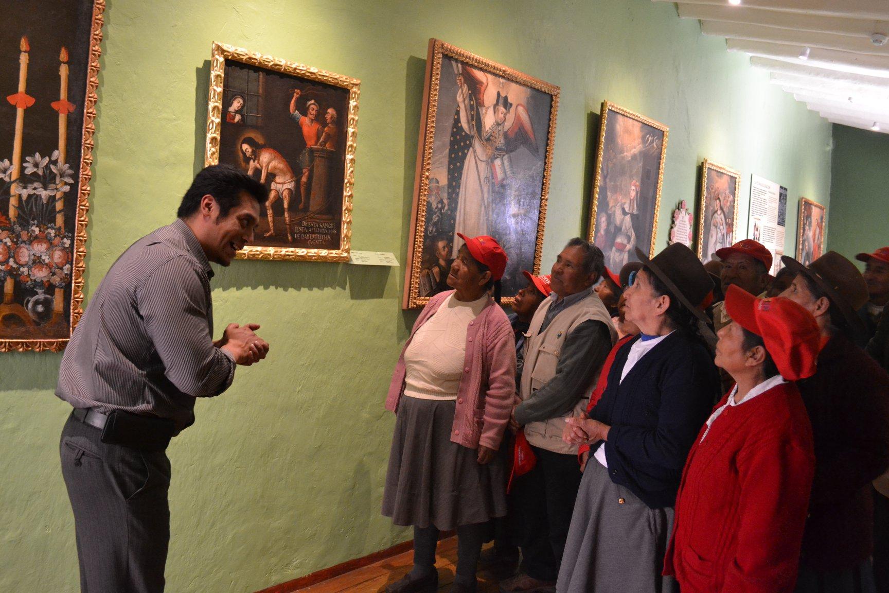 Chicos y grandes disfrutan con los paseos turísticos que se realizan dentro de él. (Foto: Facebook Museo Histórico Regional Casa del Inca Garcilaso de la Vega)