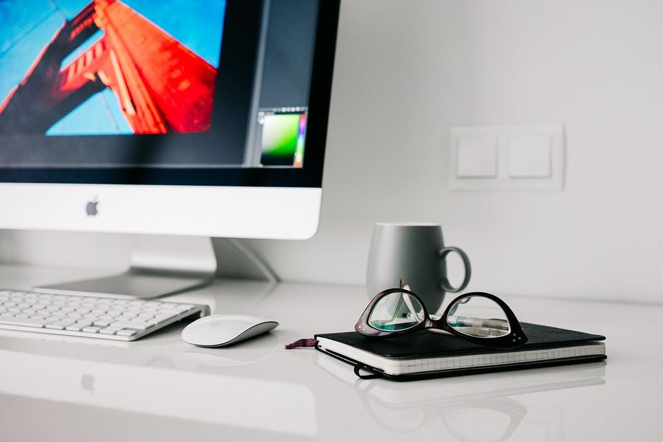 No hay nada mejor que trabajar en un escritorio bien ordenado. (Foto: Pixabay)