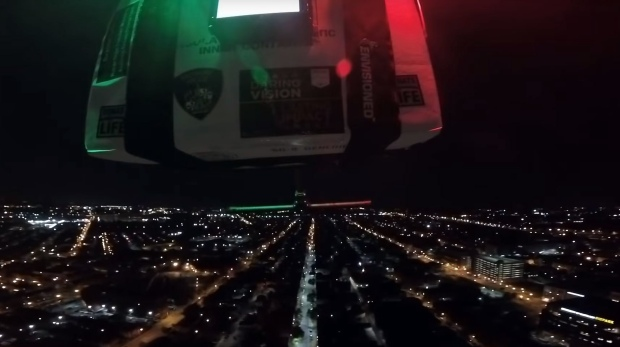 Imagen fija de un video de cámara del dron que entrega un riñón para trasplante en el UMMC en Baltimore, Maryland. (Foto: AFP)