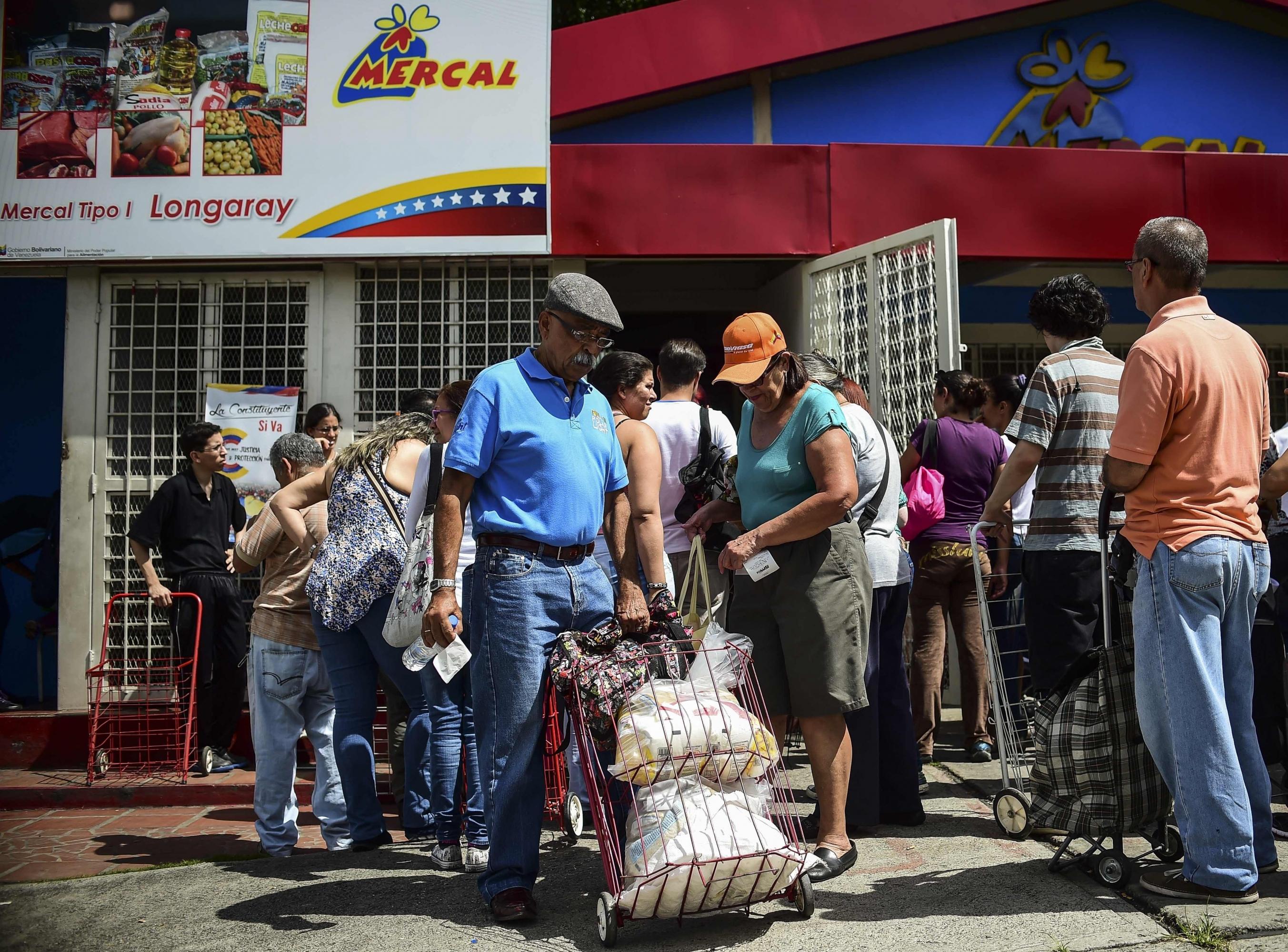 Tesoro de EE.UU. dice que Venezuela usa comida subsidiada para lavar activos. (Foto: AFP)