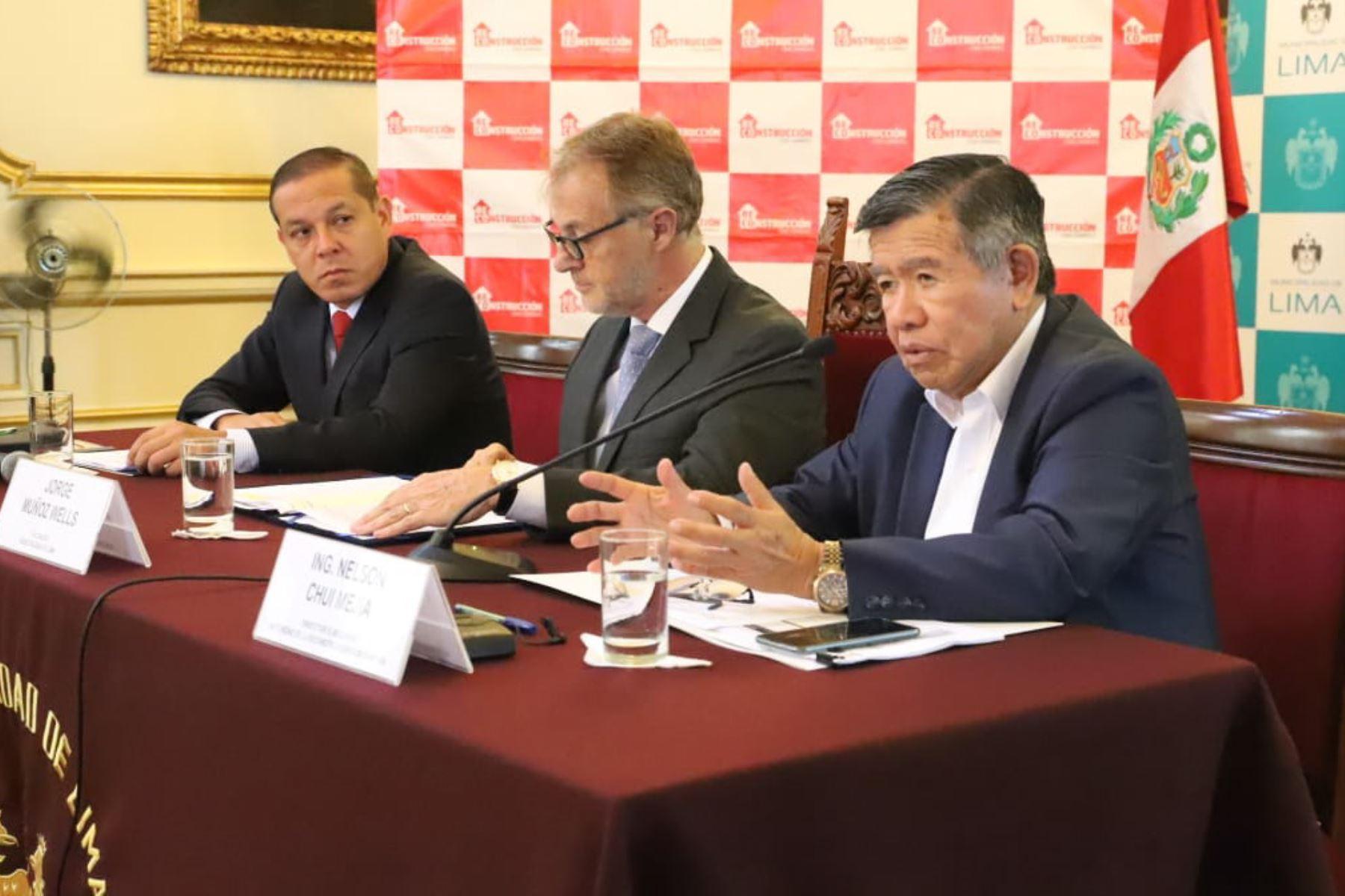 Director ejecutivo de la ARCC participó de la reunión junto al alcalde Lima, Jorge Muñoz y viceministro de Vivienda y Urbanismo, Jorge Arévalo Dánchez(Foto: Difusión)