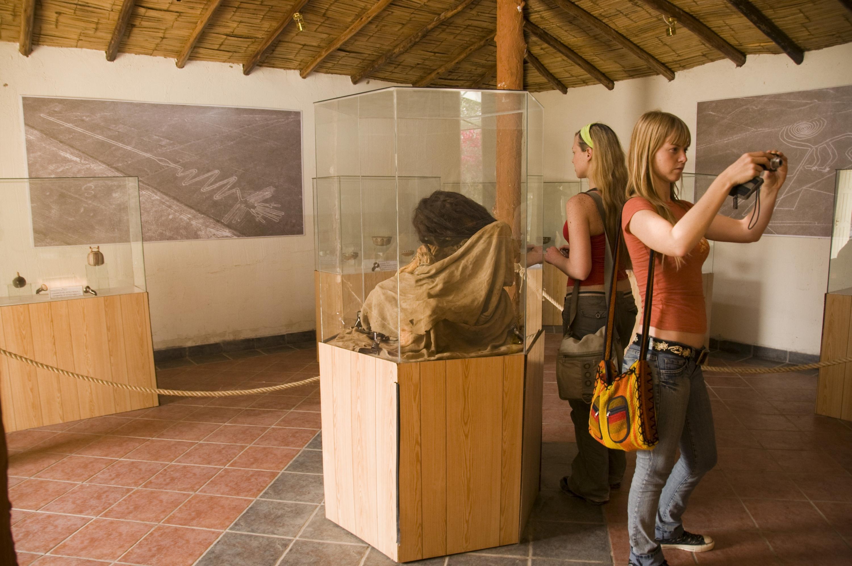 En la casa museo de María Reiche se puede apreciar restos encontrados en los alrededores de las Líneas de Nasca, como momias. (Foto: PromPerú)