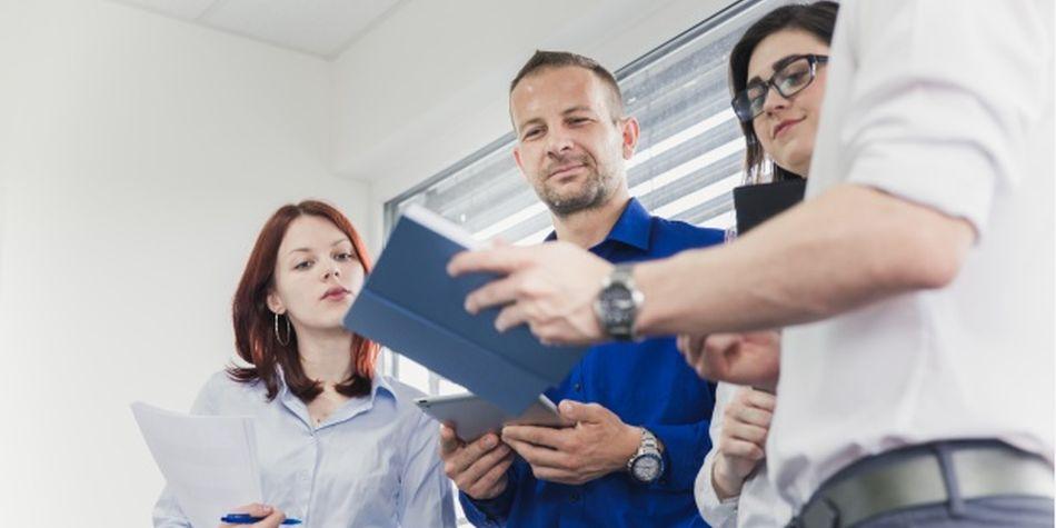 Se busca mejorar la cultura en el lugar de trabajo y aumentar el compromiso por parte de los empleados. (Foto: Freepik)