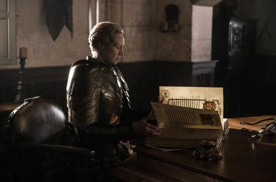 Brienne de Tarth escribe la historia de Jaime Lannister. (Foto: HBO)