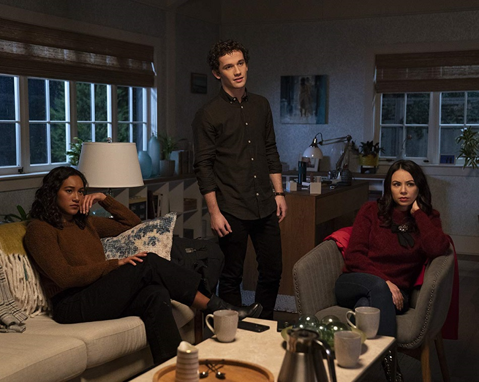 Janel Parrish, Sydney Park, y Eli Brown en Pretty Little Liars: The Perfectionists (Foto: Freeform)