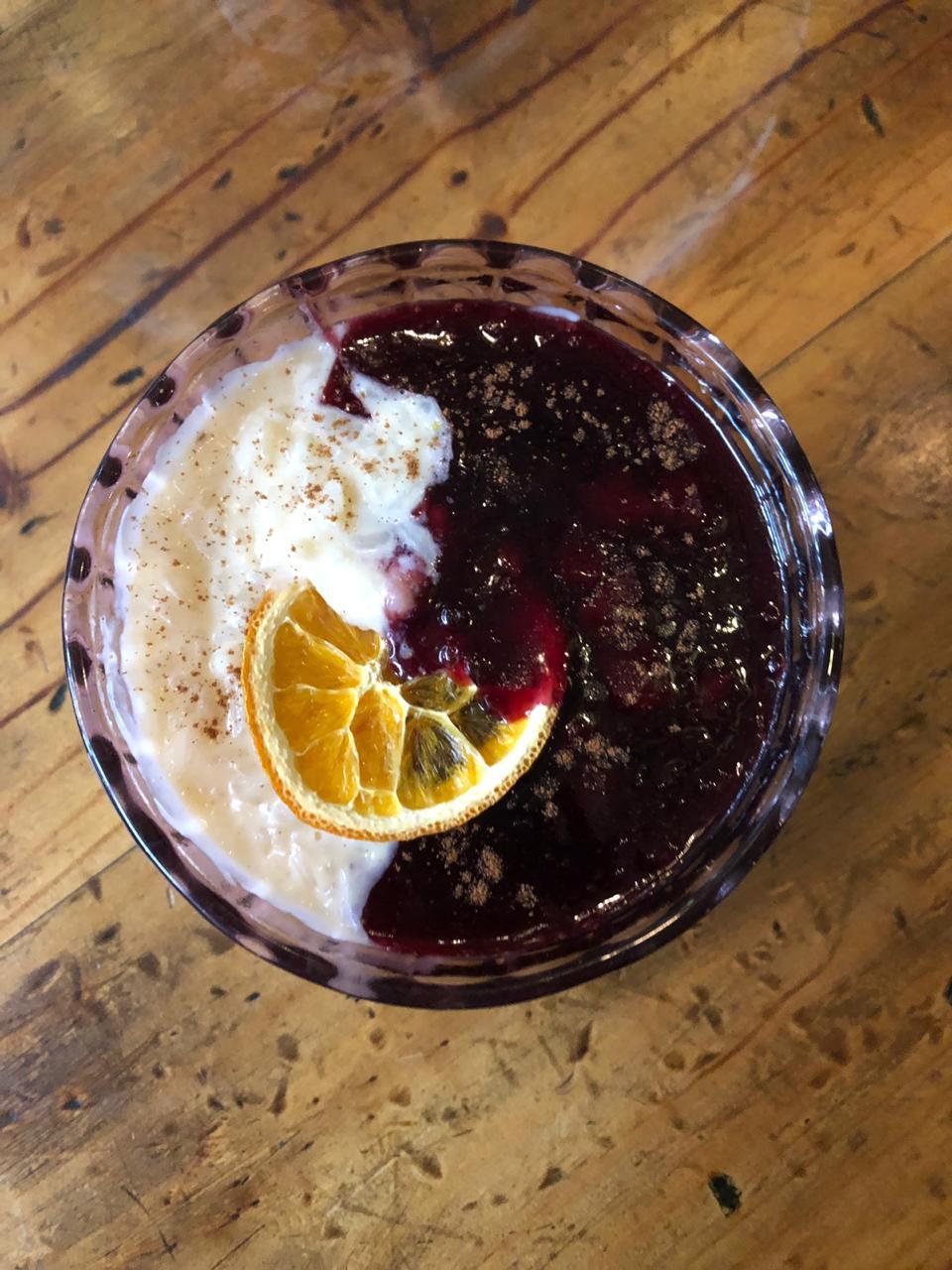 El clásico combinado de mazamorra morada y arroz con leche en su máxima expresión. (Foto: Matilde)